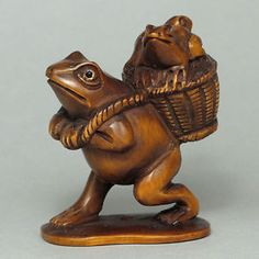 Details about Boxwood Wood Netsuke 3 Frogs Figurine Carving WN849