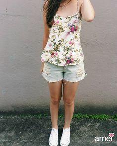A prima Vera muito querida deixou flores para o Verão ☀ #lojaamei #flores #verao #short #jeans