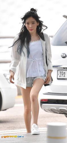 SNSD TaeYeon goes to Hong Kong for her 'PERSONA' concert ~ Wonderful Generation ~ All About SNSD, Wonder Girls, and f(x)