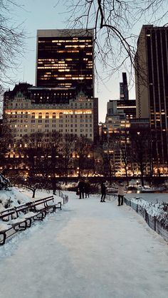 Snow Days in NYC | Pretty in the Pines, New York City Lifestyle Blog