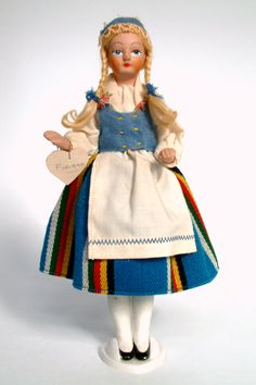 Rare Homemade Vintage, Finish Doll, Martta Nukketeollisuus Oy Turku Doll,made in Finland unknown year Vintage Dolls, Retro Vintage, Miss World, Little Darlings, Old And New, Art Dolls, It Is Finished, Folk, Costumes