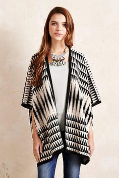 Knitted Aztec Poncho - anthropologie.eu