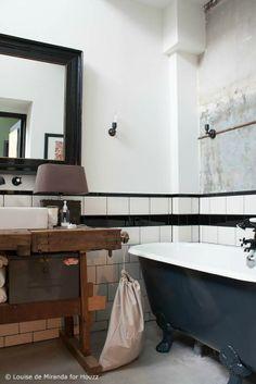 James van der Velden : Meuble de salle de bains avec ancien établi