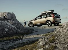 Explore with the beautifully eye-catching XC60.