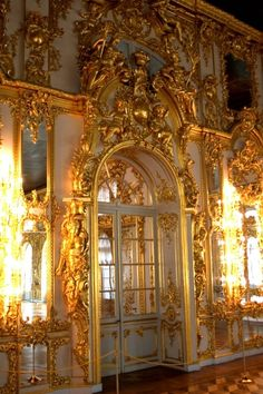 Door in Catharine's Palace, Russia - The amount of gold in here and Peterhof is staggering!!!