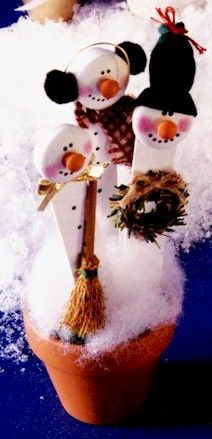 craft stick snowmen. fun for the kids to play with instead of my real decorations.