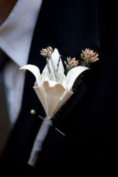 DIY boutonnieres : DIY wedding flowers  DIY Paper Origami Lily Vintage Wedding Corsages