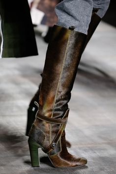 Fendi Brown High Heeled Boots Fall 2014 #Shoes #Heels