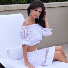 Я снова в своем любимом белоснежном цвете 💭👼 Топ и юбка от @olgaskazkina #olgaskazkina #AvroraxOlgaskazkina #summertime ☀️ #БелыйНашеВсе