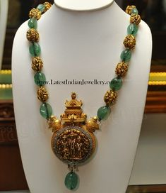 Emeralds and Antique Gold Beads Mala with Antique Pendant - Indian Jewellery Designs Gold Temple Jewellery, Gold Jewellery Design, Bead Jewellery, Pendant Jewelry, Diamond Jewellery, Jewelry Necklaces, Choker Necklaces, Antique Jewellery, Jewelry Holder