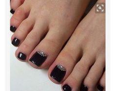 Traci wedding toes but with nude polish