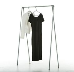 Ziito Swing Clothes Rail is made in an industrial design. This Clothes rail will is a beautiful display for you bedroom or entrance. Hang your prime pieces on it or store your outdoor way beautifully.