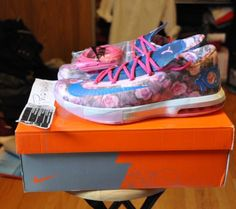 "GTA | DS Nike ""Aunt Pearl"" KD6 - Size 11 