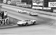 Ford GT40 ahead of Ferrari at Le Mans 1969