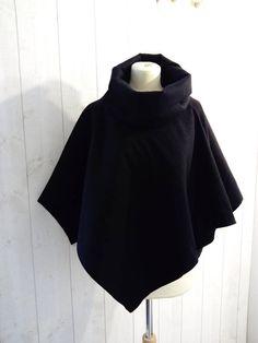 poncho , veste , cape , poncho en laine   , cape en laine  , cape  en laine