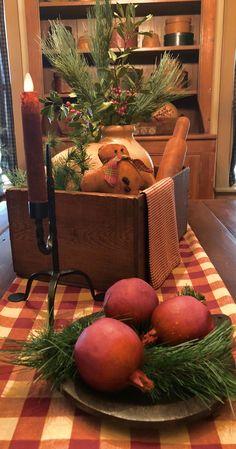 Gail Reeder Primitive Christmas Decorating, Primitive Country Christmas, Prim Christmas, Christmas Colors, Simple Christmas, Winter Christmas, Vintage Christmas, Christmas Crafts, Primitive Decor