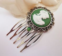 Small hair comb with cameo round hair comb small by Schmucktruhe, €12.50