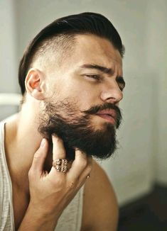 Hollywoodian Beard - Different Types of Beards, Best Beard Styles and Ideas, Cool Facial Hair Shapes and Designs Sexy Beard, Beard Love, Thin Beard, Short Beard, Best Beard Styles, Hair And Beard Styles, Different Types Of Beards, Patchy Beard, Short Hairstyles