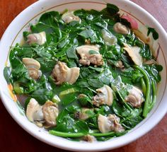 dinengdeng a marunggay with kaggo, marunggay leaves and clam soup ~ PINAKBET REP. - List of the best food recipe Filipino Vegetable Recipes, Filipino Recipes, Veggie Recipes, Asian Recipes, Clam Recipes, Cooking Recipes, Pinakbet Recipe, Pilipino Food Recipe, Filipino Dishes