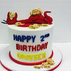 Dragons love Tacos cake! ❤ Dragon Birthday Parties, Dragon Party, Birthday Celebration, Happy 20th Birthday, 5th Birthday Cake, Birthday Ideas, Dragons Love Tacos Party, Taco Cake, Taco Party
