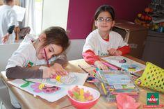 Les plus jeunes se sont appliqués pour réussir leur coloriage pendant le Moment Maif !