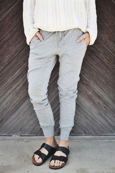 birks + sweats // the perfect sweatpants via ascotandhart.com