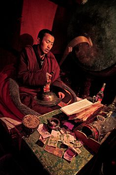 Monk chanting and praying in Samye Monastery, Tibet, January 2011 (Photo: Erik Törner, IMs bildarkiv) Dalai Lama, Tibetan Art, Tibetan Buddhism, Nepal, Buddha, Vajrayana Buddhism, Religion, Himalaya, Tibet