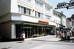These fascinating photos show the Tunbridge Wells town centre shops we used to go to in the 90s