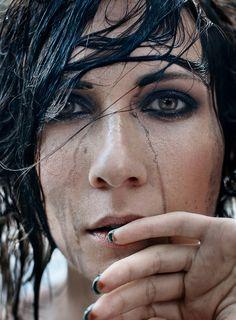 """Time to Move On"" — Photographer: Nina Sinitskaya – Grain Pixels Makeup: Kaverzina Katya Model: Lora Rillie"