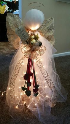 Discover more about Homemade Christmas Decorations Christmas Angels, Winter Christmas, Christmas Lights, Christmas Wreaths, Christmas Ornaments, Tomatoe Cage Christmas Tree, Christmas Vacation, Christmas Lamp, Angel Ornaments