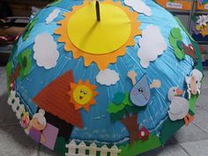 Guarda-chuva da leitura - ENSINANDO COM CARINHO Kids Crafts, Baby Crafts, Preschool Crafts, Projects For Kids, Diy For Kids, Class Door Decorations, Diy Light Table, Simple Doodles, Spring Theme