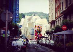 #Puppy #JeffKoons @guggenheim #museoguggenheimbilbao #museoguggenheim #Bilbao #artcontemporain #street #streetview #rue #instastreet
