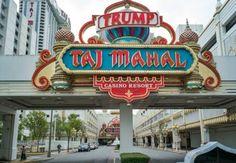 El gigantesco Trump Taj Mahal de la ciudad de Atlantic City, uno de los espectaculares casinos con que Donald Trump construyó su reputación empresarial, cerró sus puertas este lunes, literalmente sepultado por las deudas.
