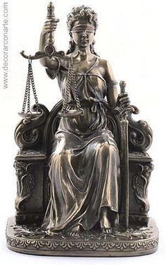 La Justicia sentada  (Alt: 20cm)