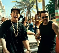 iTunesMusicTop : Luis Fonsi - Despacito ft. Daddy Yankee https://t.co/v53TKS1jhi https://t.co/Y8bkp4kWi3 | Twicsy - Twitter Picture Discovery