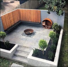 Hinterhof Patio Herd Ideen, Holzlager und Bank mit schönen Abstellgleis # Abstellgleis Backyard patio stove ideas, wood storage and bench with beautiful siding # siding, yard # Ideas # Backyard Garden Design, Ponds Backyard, Small Garden Design, Small Space Gardening, Fire Pit Backyard, Small Gardens, Outdoor Gardens, Backyard Seating, Modern Patio Design