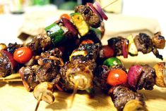 Kangaroo & Vegetables Skewers In Red Wine Marinade (sub bison or lamb since kangaroo might be hard to find in the states) #EatDrinkPaleo