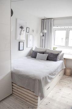 10 Home Decor Ideas For Teen Girl Bedrooms Small Room Bedroom, Home Bedroom, Modern Bedroom, Diy Bedroom Decor, Dream Bedroom, Home Decor, Style At Home, White Room Decor, Teen Girl Bedrooms