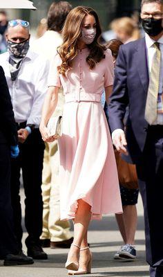 Estilo Kate Middleton, Kate Middleton Dress, Princess Kate Middleton, Kate Middleton Style, Pink Midi Dress, Looks Chic, Summer Chic, Crepe Dress, Wimbledon