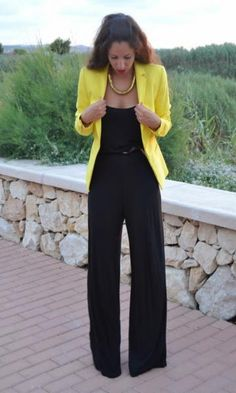 macacao preto + blazer amarelo