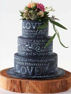 Amazing wedding cakes photos some inspiration for your cake design? A collection of our favourite (and very delicious looking) wedding cakes. Gorgeous Cakes, Pretty Cakes, Cute Cakes, Amazing Wedding Cakes, Amazing Cakes, Black Wedding Cakes, Cake Wedding, Bolo Chalkboard, Chalkboard Wedding
