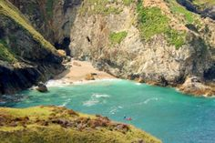 5 beautiful places to go kayaking and canoeing in Cornwall. c The Wild Guide Kayaking, Canoeing, Things To Do In Cornwall, Holidays In Cornwall, Canoe And Kayak, Closer To Nature, Britain, Coastal, Beautiful Places