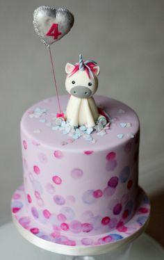 einhorntorte kinderparty ideen fondantfigur fondantkuchen