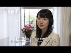 Marie Kondo - Japanese Organizer Extraordinaire Fold long sleeved t-shirts using The KonMari Method - YouTube