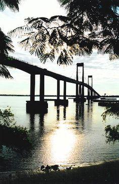 Puente General Manuel Belgrano sobre el Río Paraná,Corrientes Capital