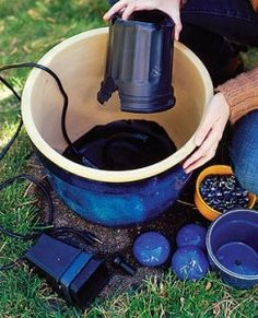 33 Soothing DIY Water Features blue fountain, 33 different DIY water features Garden Yard Ideas, Lawn And Garden, Garden Projects, Garden Art, Garden Design, Landscape Design, Diy Water Feature, Diy Fountain, Rock Fountain