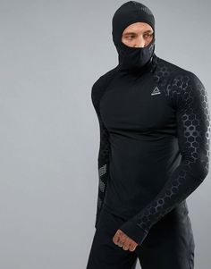 Reebok Men's Compression Hoodie, Crosffit compression shirt with hoodie, cold weather running, workout shirt, compression training gear, jogging shirt, soccer training shirt, futsal training, futbol training, breathable, moisture wicking, athletic wear, gym wear, men's fitness, sports wear, health wear, weight loss wear, activewear, Crossfit, affiliate link