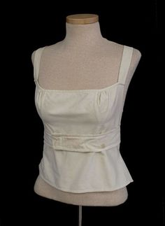 Soft wrap corset, Ivory cotton with gathered bust inserts and triangular side-hip inserts as the only shaping (probably meant more for modesty under a sheer dress than for support). Regency Dress, Regency Era, Antique Clothing, Historical Clothing, Historical Dress, Couture, Empire, Vintage Outfits, Vintage Fashion