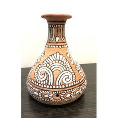 Terracotta Vase Worli Painting, Kerala Mural Painting, Bottle Painting, Ceramic Painting, Pottery Painting Designs, Pottery Designs, Mural Art, Murals, Indian Crafts