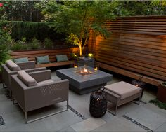 Small Backyard Patio Ideas Patio Ideas for Small Backyards Small Backyard Patio Ideas. Ideas for small backyard patios are endless! Don't be discouraged if your backyard is tiny and you think… Backyard Sitting Areas, Fire Pit Backyard, Backyard Patio, Pavers Patio, Concrete Patio, Outdoor Rooms, Outdoor Living, Outdoor Decor, Outdoor Areas